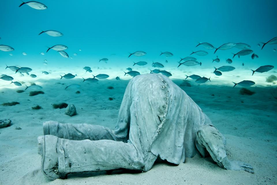 Banker_Mexico_clean_right_Jason deCaires Taylor_Sculpture