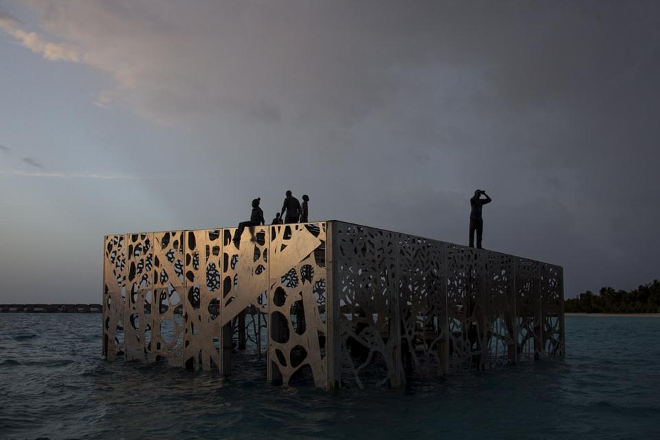 The Sculpture Coralarium. Sirru Fen Fushi, Maldives