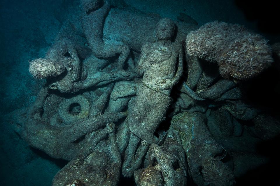 Museo Atlantico_Lanzarote_growth_night_05745_Jason deCaires Taylor_Sculpture