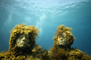 Silent Evolution_Mexico_growth_couple_Jason deCaires Taylor_Sculpture